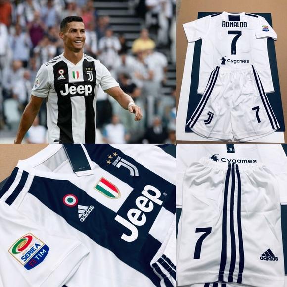 8a22697f35e Kids Kit Juventus Home Ronaldo  7 Soccer Jersey